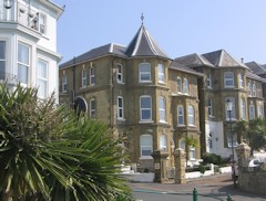 Self catering apartment with spectacular sea views