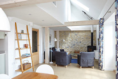 The Barn and Stable at Buddle Place, Niton Undercliff, Isle of Wight. Holiday cottage in Niton on the Isle of Wight
