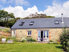 Holiday cottage in Niton on the Isle of Wight, The Barn and Stable at Buddle Place, Niton Undercliff, Isle of Wight