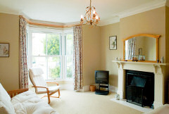 Clifton Villas, Cowes, Isle of Wight. Spacious family home close to the centre of Cowes