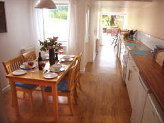 Little Moon Cottage, Totland, Isle of Wight. Self catering cottage in Totland, Isle of Wight
