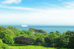 Westfield House, Ventnor, Isle of Wight. Bed and breakfast in Bonchurch with sea views.